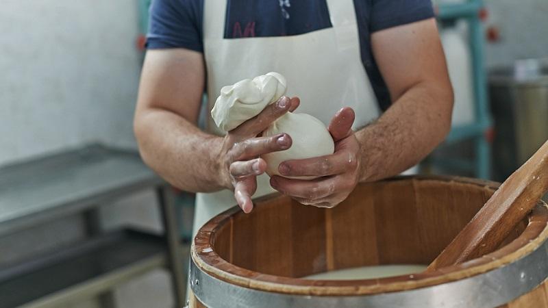 Azienda Cucchiara: formaggi prodotti con l'esperienza tramandata da generazioni