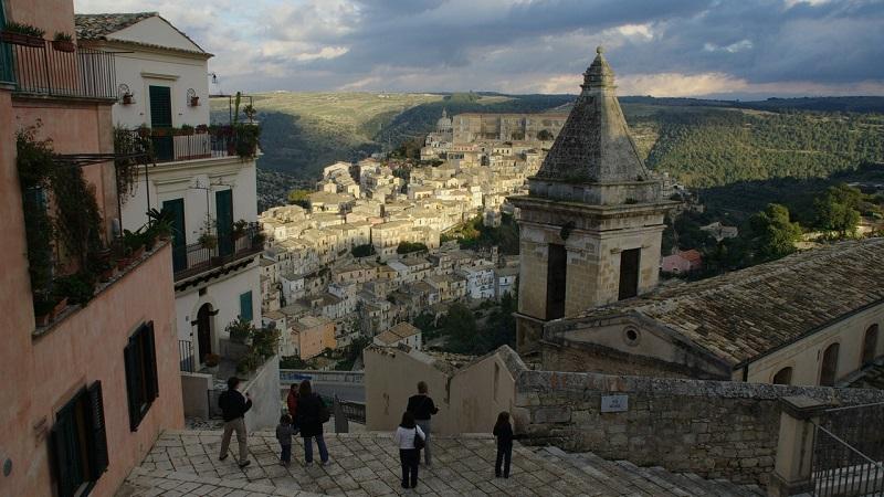 Ragusa: lo splendore del Barocco si unisce a scorci di rara bellezza