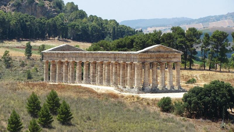 Gela: ritrovato in un pozzo un antico capitello ionico