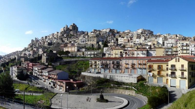 Da Salemi a Troina, ecco come acquistare case a un euro in Sicilia nei Borghi più belli d'Italia